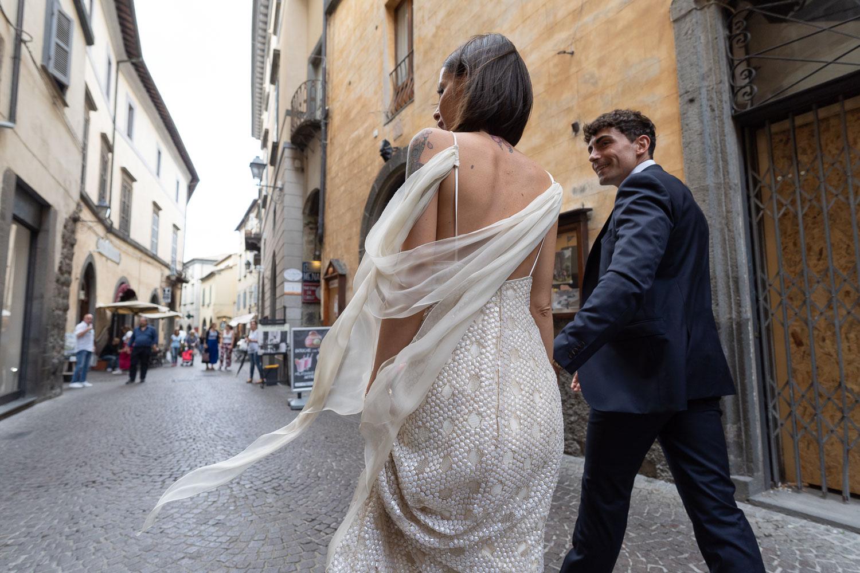 nf-Fotografo-Matrimonio-Roma-BL-matrimonio-a-Orvieto-passeggiata