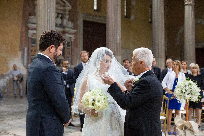 nf-Fotografo-Matrimonio-Roma-RL-Matrimonio-elegante-02-velo-sposa