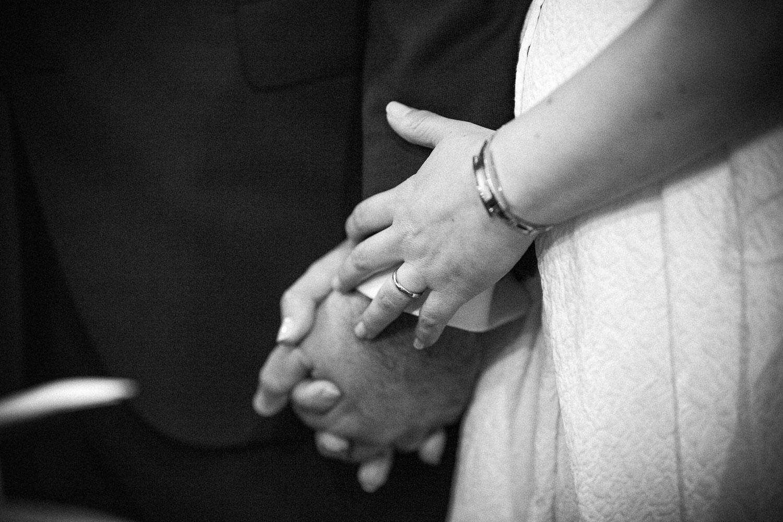 nf-Fotografo-Matrimonio-Roma-RL-Matrimonio-elegante-07-mano-nella-mano