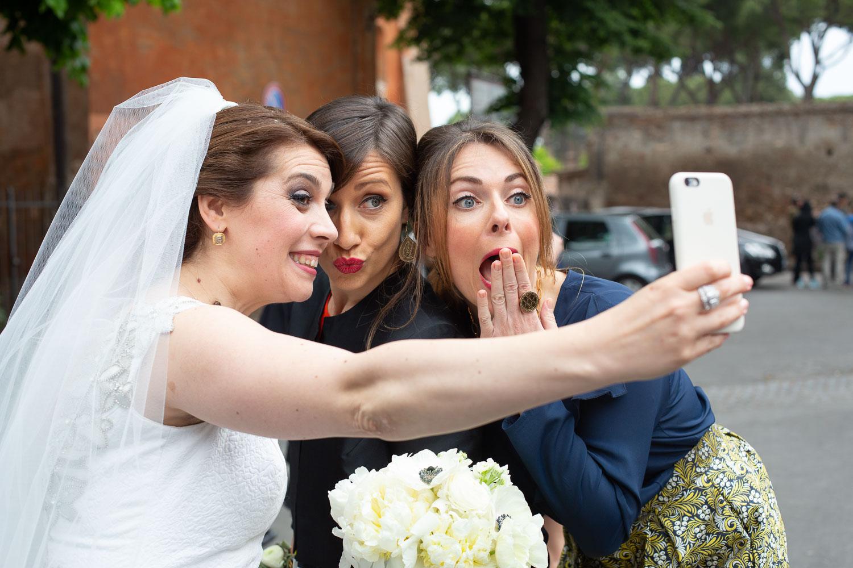 nf-Fotografo-Matrimonio-Roma-RL-Matrimonio-elegante-11-testimoni-sposa