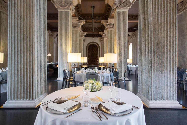 nf-Fotografo-Matrimonio-Roma-RL-Matrimonio-elegante-16-palazzo-montemartini