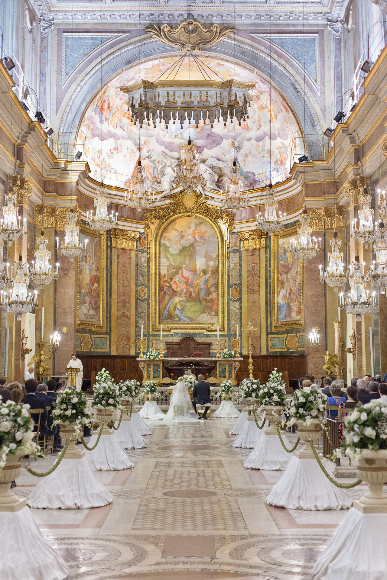 nf-Fotografo-Matrimonio-Roma-Navata-Chiesa-dei-Lampadari